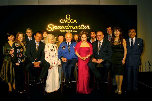 オメガ月着陸40周年記念パーティにデヴィ夫人らが出席_f0039351_1154699.jpg