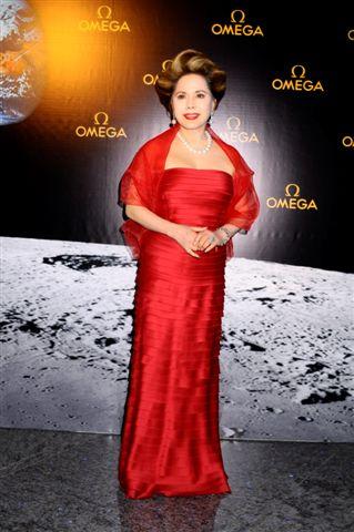 オメガ月着陸40周年記念パーティにデヴィ夫人らが出席_f0039351_1185733.jpg
