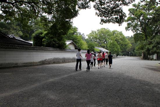 京都御苑を走るーボディズ_e0048413_20274116.jpg