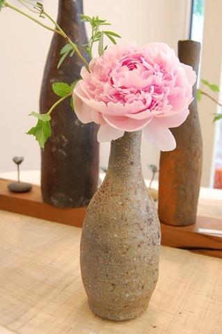 今日、最後の花活けを楽しみました。_a0112812_2354559.jpg