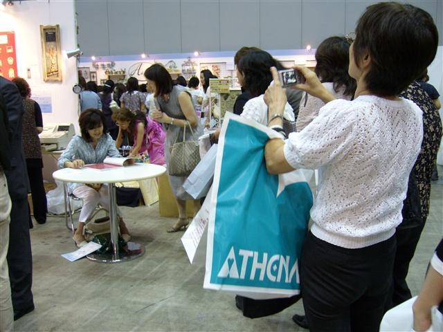 新刊サイン会_a0092659_22524529.jpg
