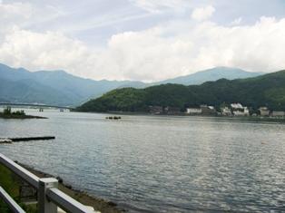 湖畔めぐりツーリング_e0141978_2103257.jpg