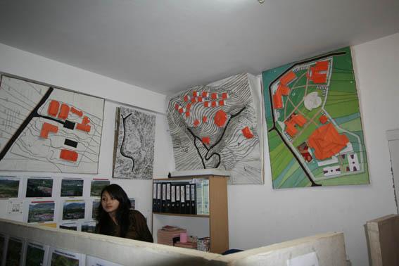 ブータン建築紀行 20:建築家 金子さん 1:事務所_e0054299_1973426.jpg