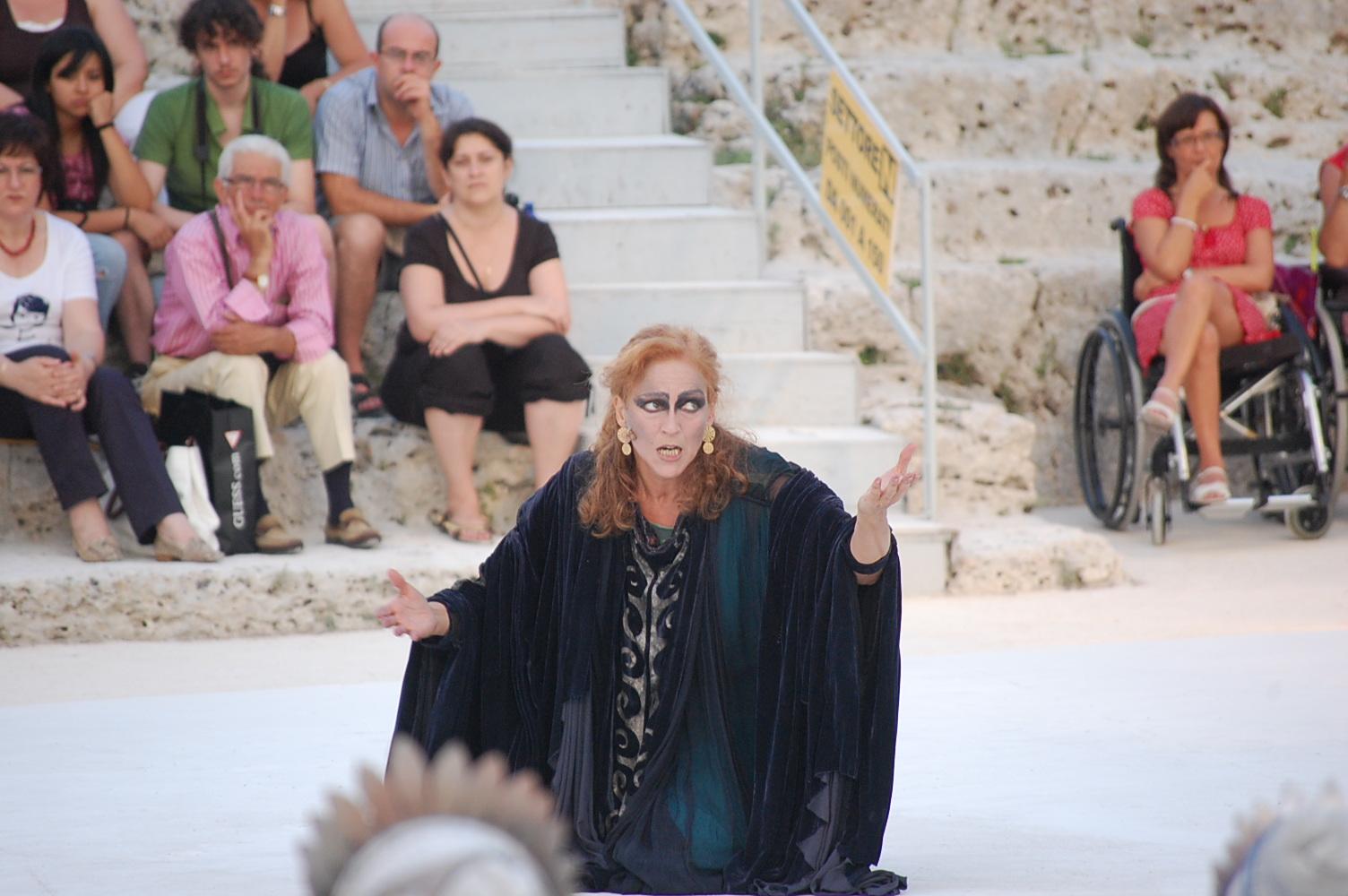 2009年ギリシャ劇場 バゥ_d0084229_0312768.jpg
