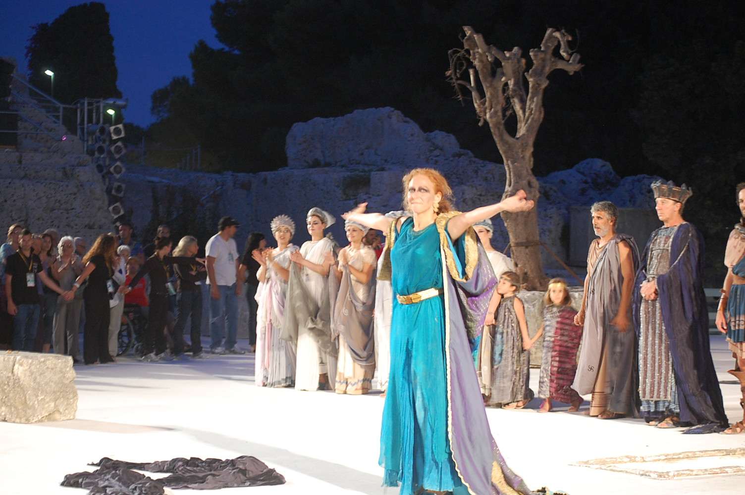 2009年ギリシャ劇場 バゥ_d0084229_0404151.jpg