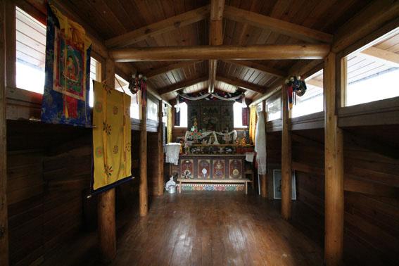 ブータン建築紀行 22:建築家 金子さん3 :高官の家の室内_e0054299_18441154.jpg