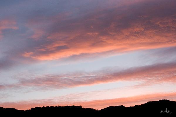 真っ赤に染まる山の空とオカリナ・田代山_c0048494_22583815.jpg