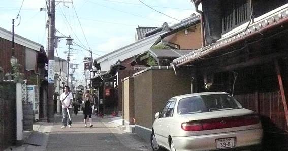 奈良町 2:古い街並_e0054299_12193251.jpg