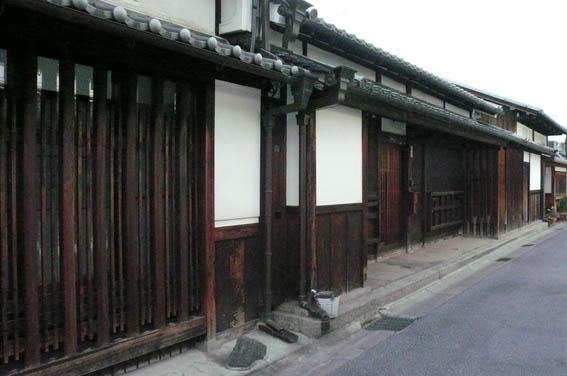 奈良町 2:古い街並_e0054299_12195439.jpg