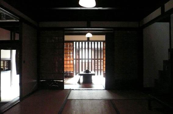 奈良町 4:格子の家_e0054299_14304952.jpg