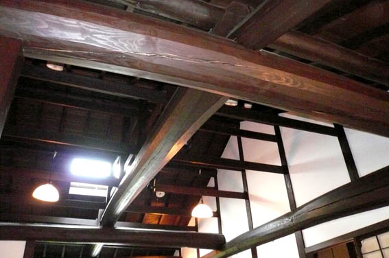 奈良町 4:格子の家_e0054299_14312367.jpg
