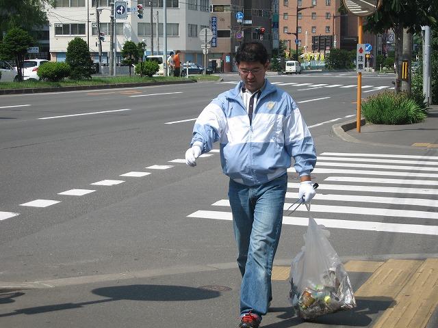 「早朝ゴミ拾い」・・・inすすきの!_f0202703_2234265.jpg