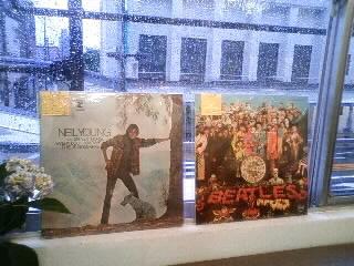 最近こんなの入荷してます~!(USED CD 、NEW CD) &ニール・ヤングとポール・マッカートニーが共演!!_b0125413_18472865.jpg