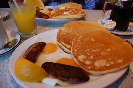 サンデーブランチにパンケーキ♪ 「Sunshine Diner」_d0129786_1483726.jpg