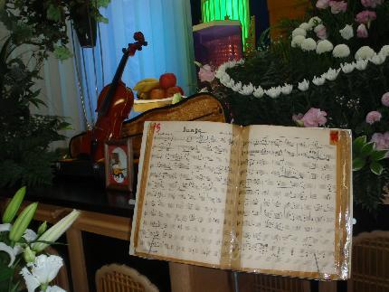 楽譜とバイオリン_e0077899_7535164.jpg
