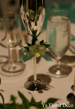 ティファニーブルーに合わせる白グリーンの装花_b0113510_1393196.jpg