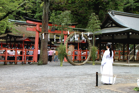 夏越の大祓いー吉田神社_e0048413_21183636.jpg