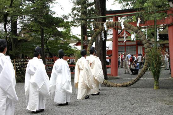 夏越の大祓いー吉田神社_e0048413_2120082.jpg
