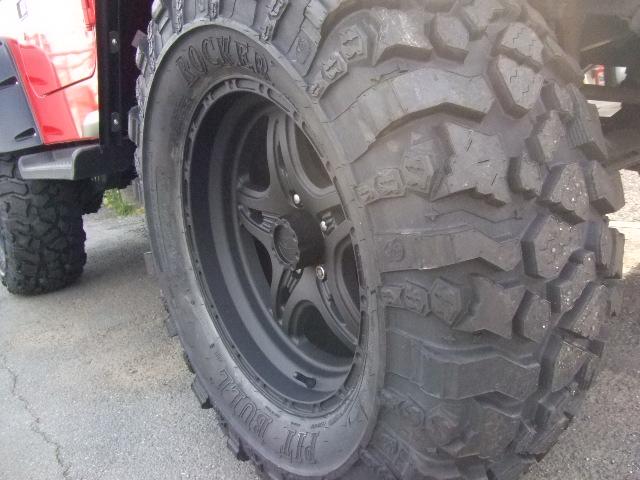 Jeep TJ ラングラー カスタム ピットブルタイヤ&レースラインホイール_b0123820_945546.jpg
