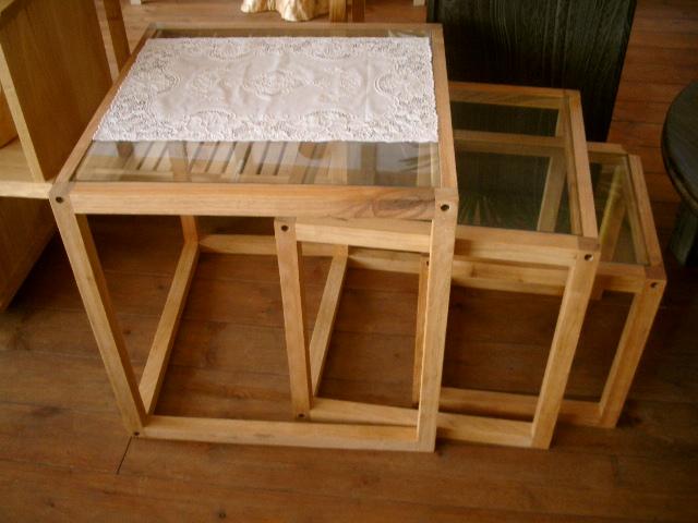 ネストテーブル、キッチンワゴン_e0137684_15523270.jpg