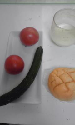 赤トマトすぐに見つけた。_c0160822_1151549.jpg