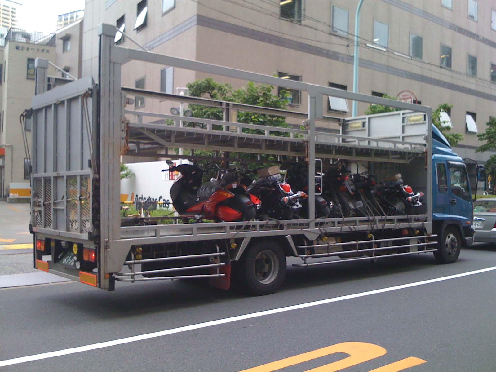 金田のバイク_c0166765_063455.jpg