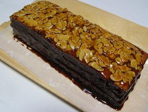 プラリネチョコケーキ : パンと...