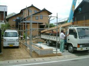 仏生山の家車庫棟 上棟_e0064493_13254754.jpg