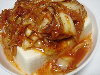 豚バラトマトソーススパゲティとキムチ冷奴_c0025217_9283392.jpg