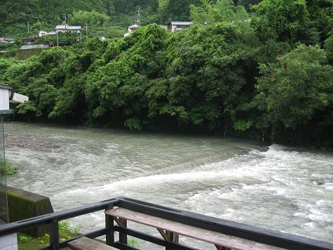 梅雨かねえ_e0101917_8312350.jpg