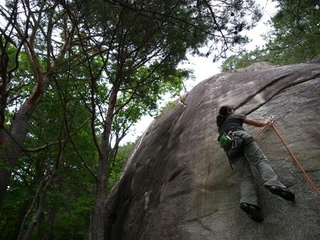 小川山 2009 (21) 水晶へのアプローチはカモシカ登山道?!_a0016346_123939.jpg