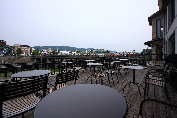 スターバックス・コーヒー 京都三条大橋店_e0051888_6211155.jpg