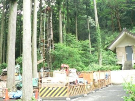 元箱根の箱根神社で井戸を掘り始めました_b0170161_1793584.jpg