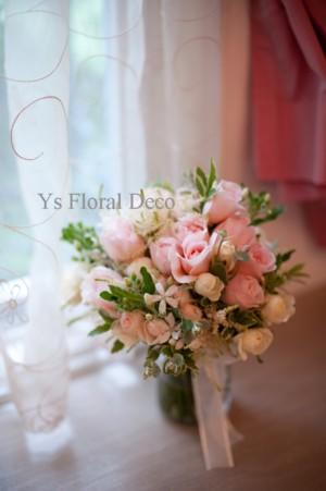 アンブリッジローズと野草のようなお花を使ったブーケ_b0113510_0323194.jpg