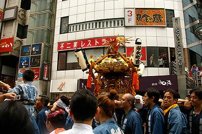 第1回渋谷時代祭・お練り_b0056983_1737236.jpg