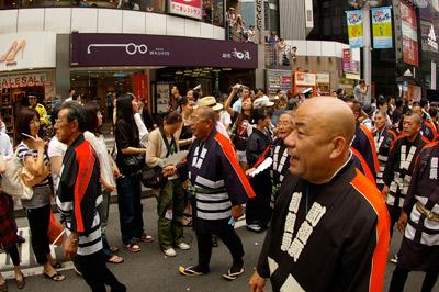 第1回渋谷時代祭・お練り_b0056983_17373343.jpg