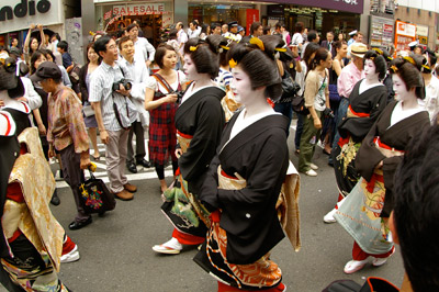 第1回渋谷時代祭・お練り_b0056983_17374544.jpg