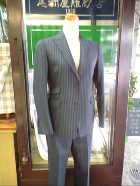 女性用スーツお仕立_b0081010_11514295.jpg