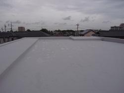 屋根防水とサッシ搬入_a0049695_18202474.jpg