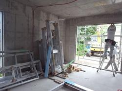 屋根防水とサッシ搬入_a0049695_1830131.jpg