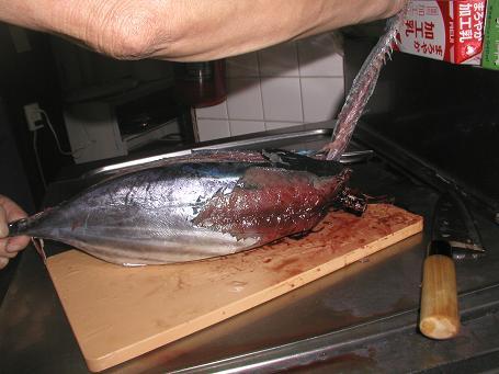 男の料理「鰹をさばく」_c0180460_14364977.jpg