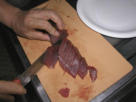 男の料理「鰹をさばく」_c0180460_14485017.jpg