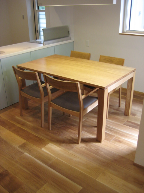 DINING TABLE SET_c0146581_14265253.jpg