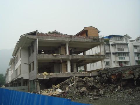 09年4月四川大地震再調査 3 都江堰_c0162425_1821290.jpg