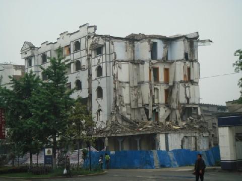 09年4月四川大地震再調査 3 都江堰_c0162425_1835822.jpg