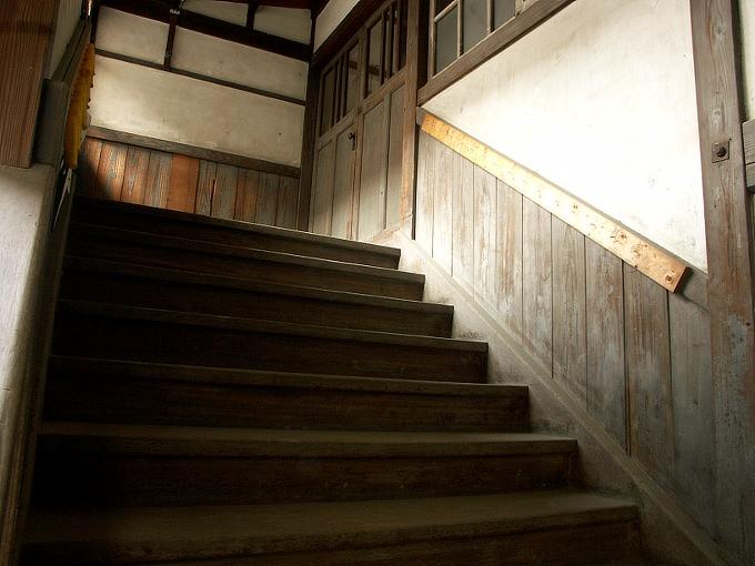 三石尋常高等小学校講堂_f0116479_049565.jpg