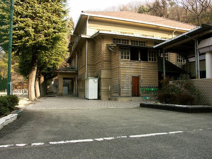 三石尋常高等小学校講堂_f0116479_175440.jpg