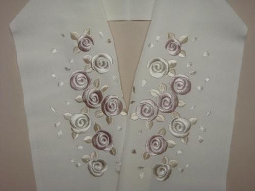 バラ刺繍半襟_f0201286_1052386.jpg