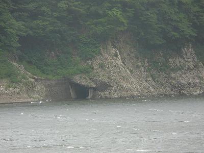 ダム+廃隧道=?_b0058563_20333688.jpg