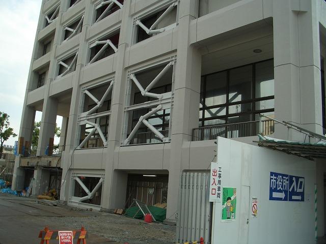ちょっと?ずいぶん? 変わりつつある富士市庁舎_f0141310_2343129.jpg